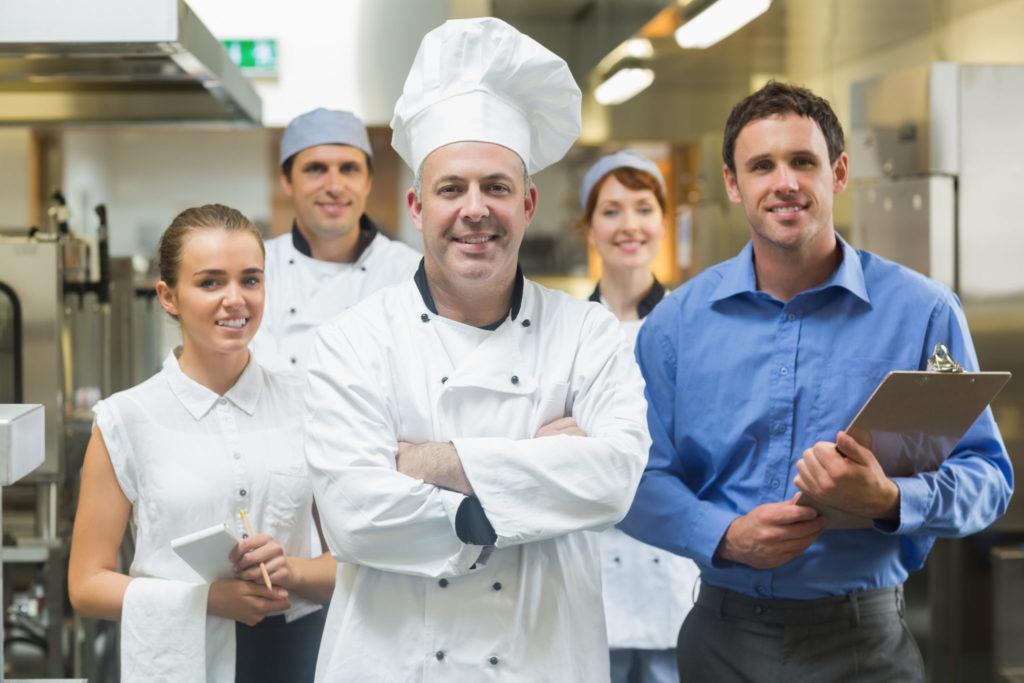 飲食店開業時 初めて人を雇う際の基礎知識13項目